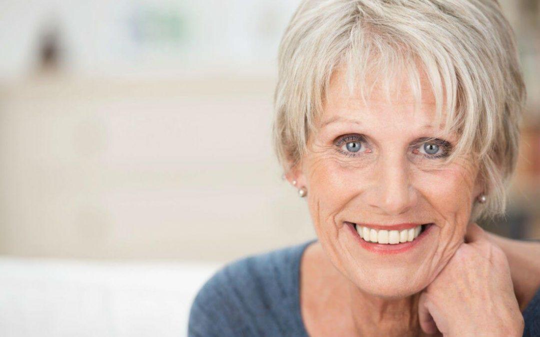 ¿Debería usar dentadura postiza? Ventajas y desventajas