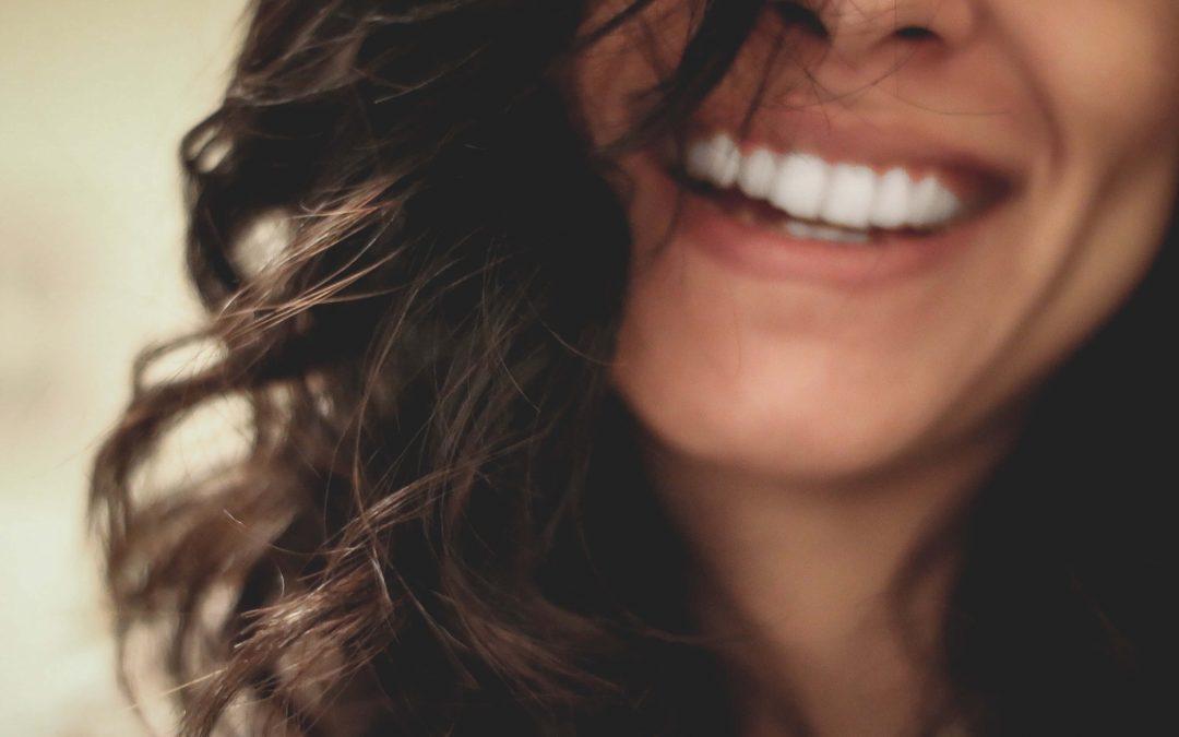Qué debes saber antes de realizarte un blanqueamiento dental