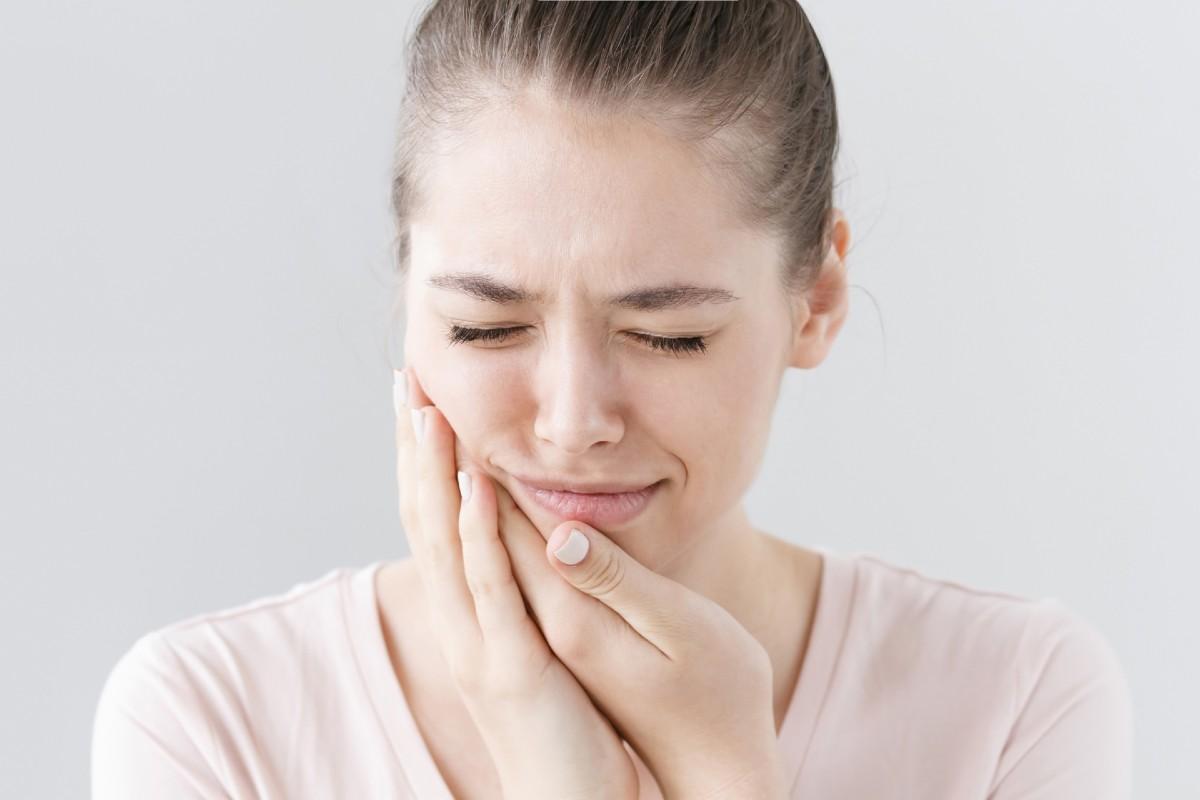 Aliviar el dolor de muelas desde casa